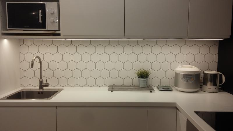Как крепятся стеновые панели в кухне