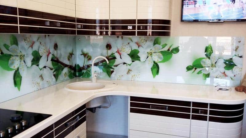 Как прикрепить пластиковый фартук к стене на кухне