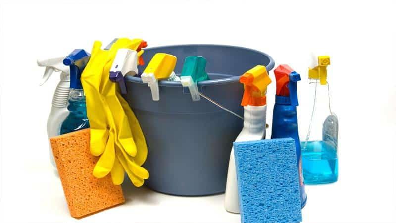 Чем вымыть линолеум чтобы блестел в домашних условиях
