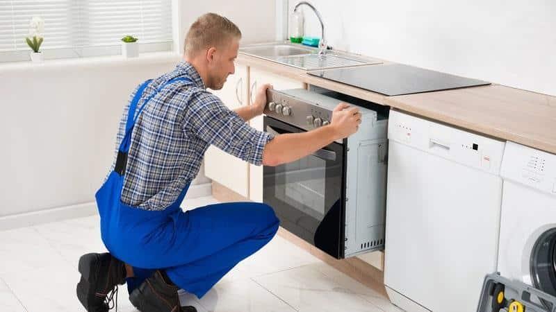 Как расположить розетки на кухне для встраиваемой техники