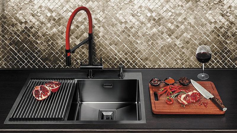 Какой тип раковин для кухни лучше — каменные или из нержавейки