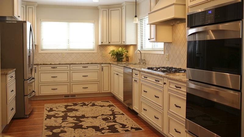 Какой выбрать ковер для кухни на пол