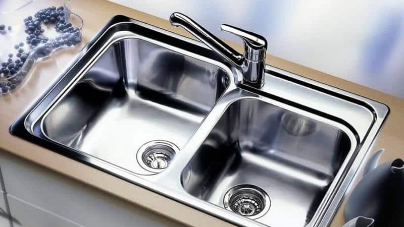 О врезных кухонных мойках из нержавеющей стали