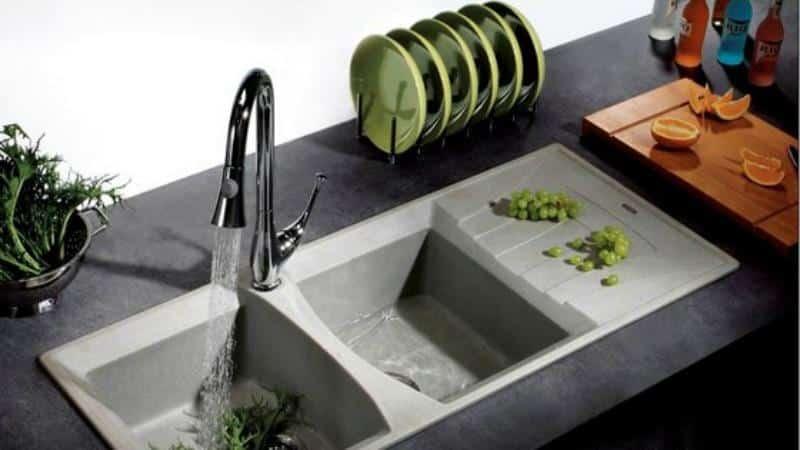 Основные плюсы и минусы кварцевых моек для кухни