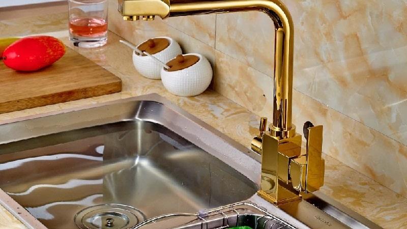 Все о кухонных смесителях с краном для питьевой воды