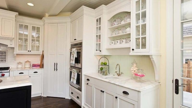 Каким может быть кухонный пенал: идеи для интерьера