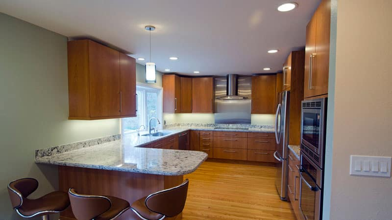 Все о точечных светильниках для кухни