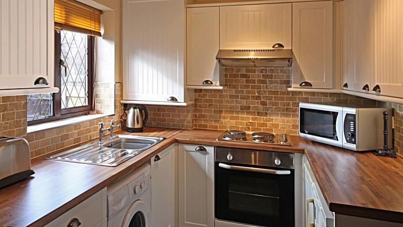 Компактные мини-кухни для студии или хрущевки