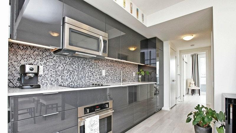 Кухня в серых тонах – практичность и стиль