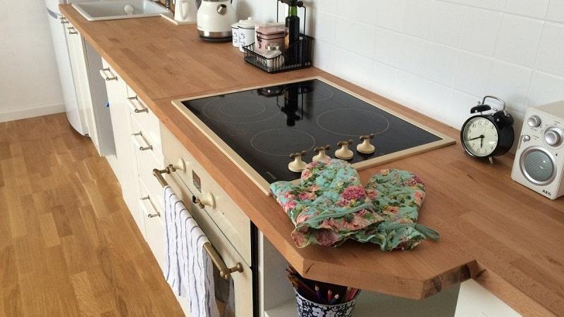 Особенности выбора столешницы на кухню