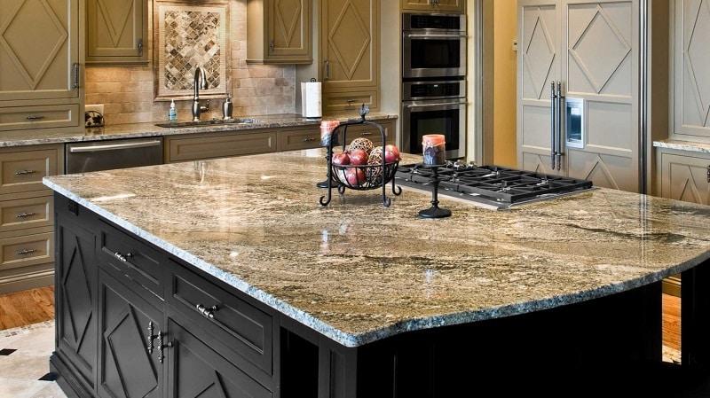 Все о кухонных столах из искусственного и натурального камня