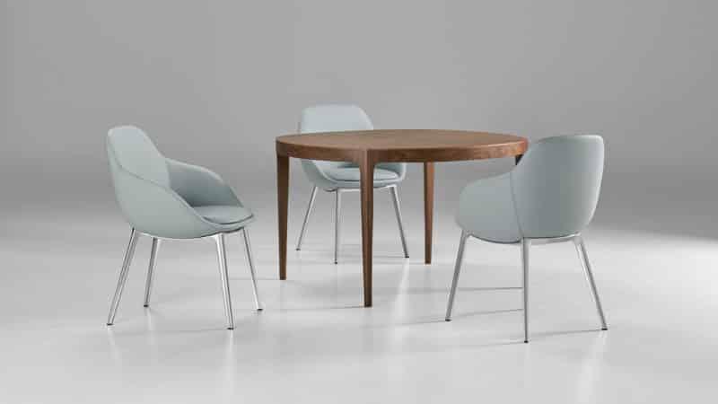 Мягкие стильные кресла для кухни