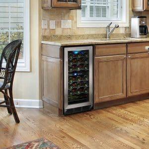 Особенности и правила выбора встраиваемого винного шкафа для дома