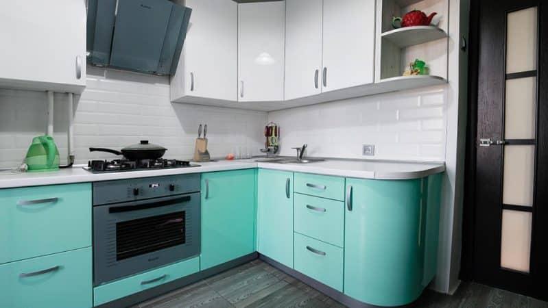 Дизайн кухонного гарнитура мятного цвета