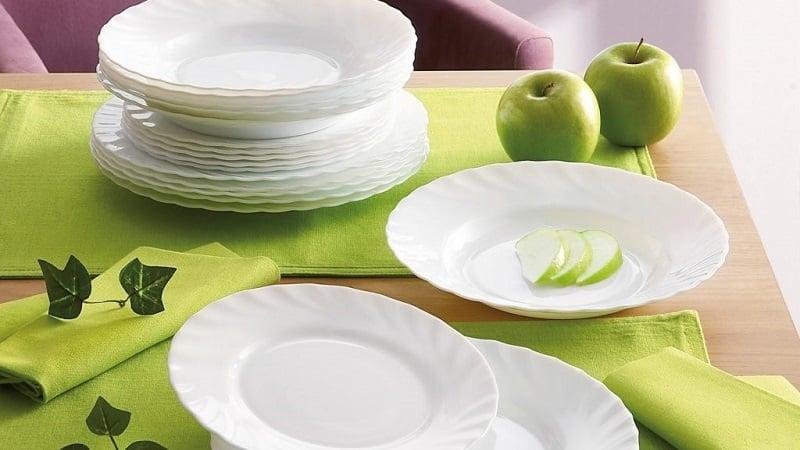 Какую посуду можно использовать в микроволновой печи
