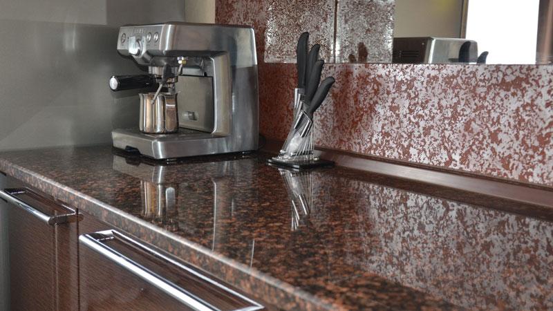 Кухонная столешница из искусственного камня