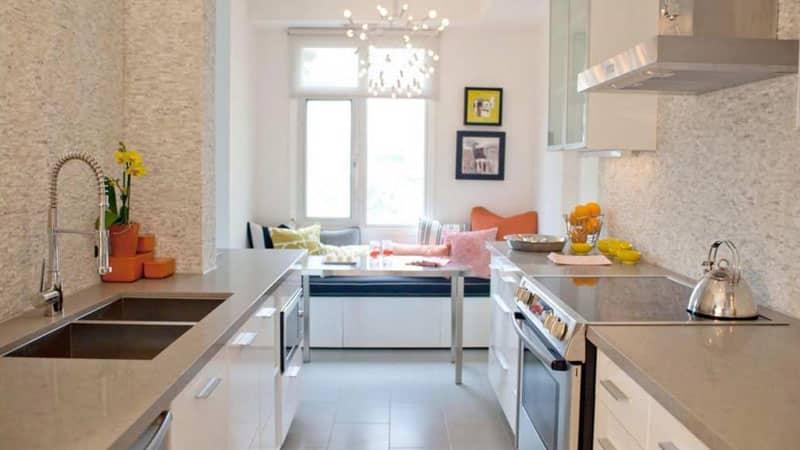 Особенности дизайна кухни с диваном