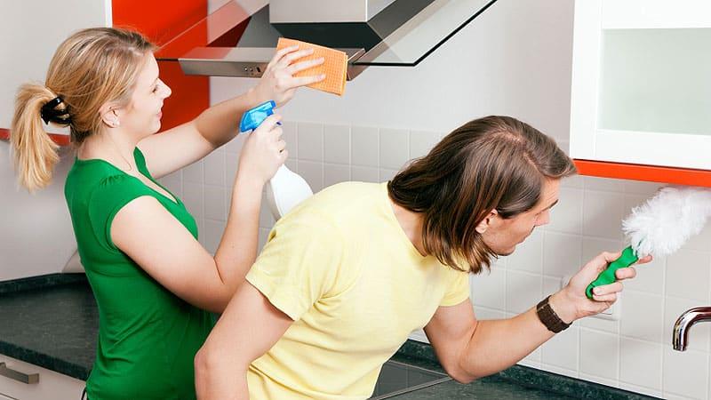 Очищение от жира кухонного гарнитура из МДФ, дерева и пластика