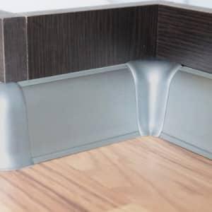 Потолочные и напольные кухонные плинтуса