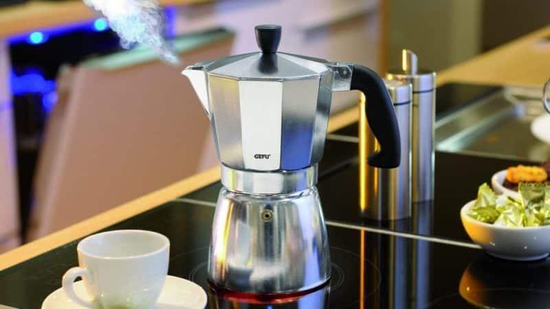 В чем отличие кофеварок от кофемашин, какая разница между ними