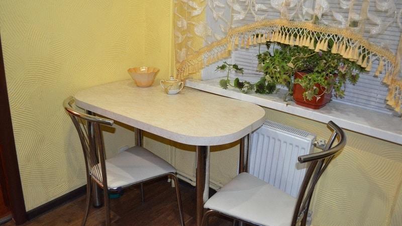 Виды кухонных столов для маленьких кухонь