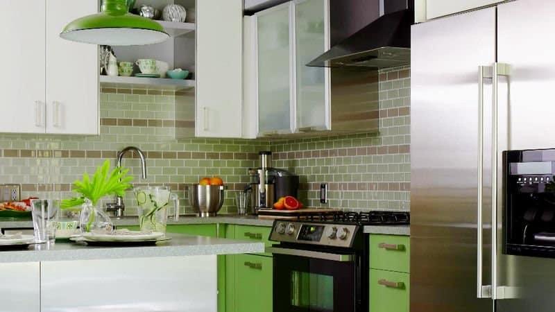 Всё о зеленом кухонном гарнитуре и цвете стен
