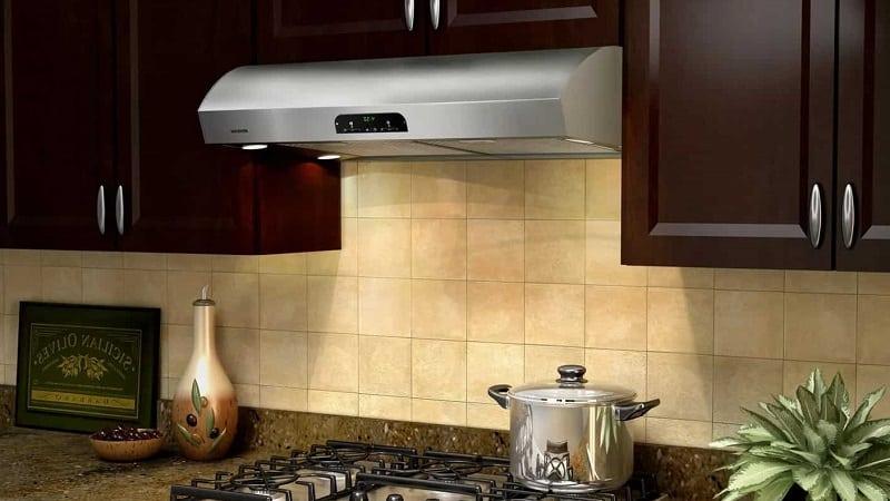 Выбор лучшей вытяжки на кухню для установки над плитой
