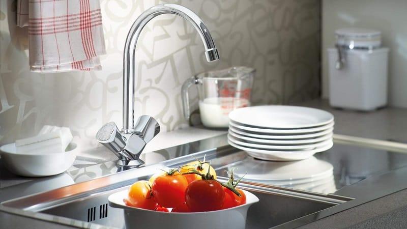 Все о смесителях для кухни с гибким изливом