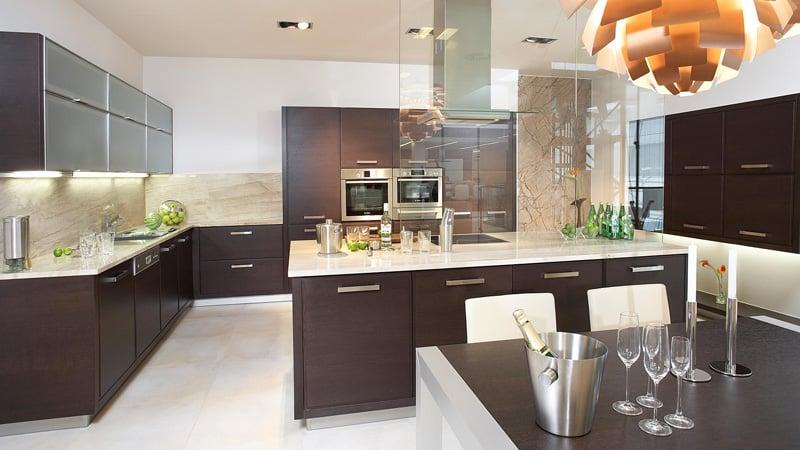 О сочетании цветов венге в дизайне кухни