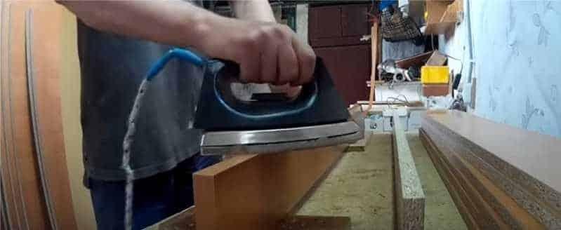 Приклеивание кромки к столешнице своими руками в домашних условиях