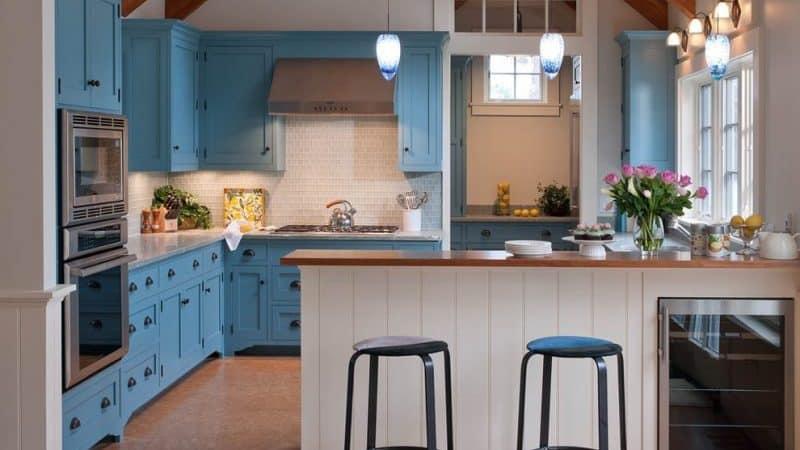 Угловая кухня с барной стойкой - планируем в маленькой кухне