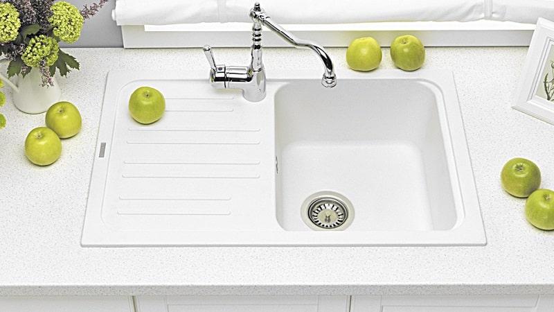 Все о белых мойках для кухни