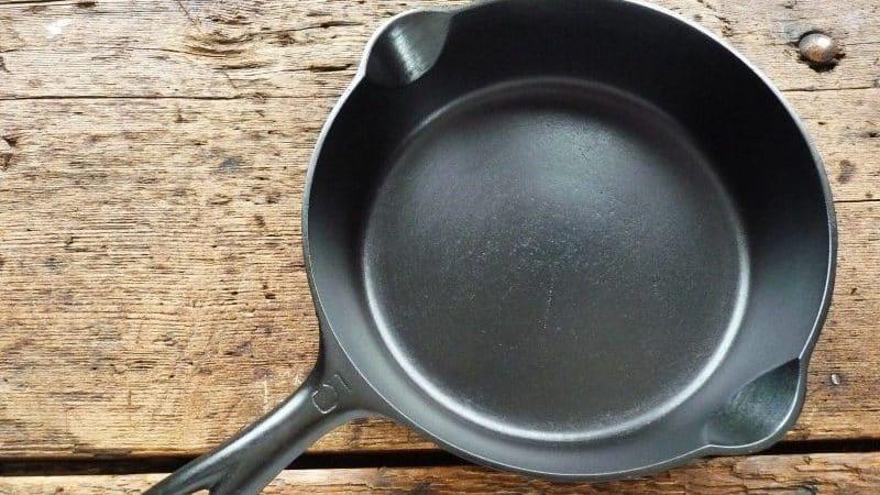 Уход за сковородой из чугуна