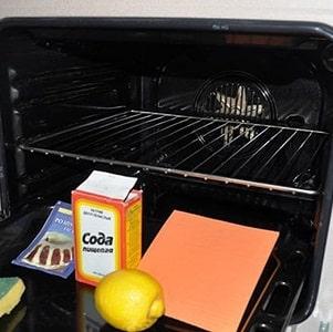 Самые эффективные способы очистки духовки в домашних условиях