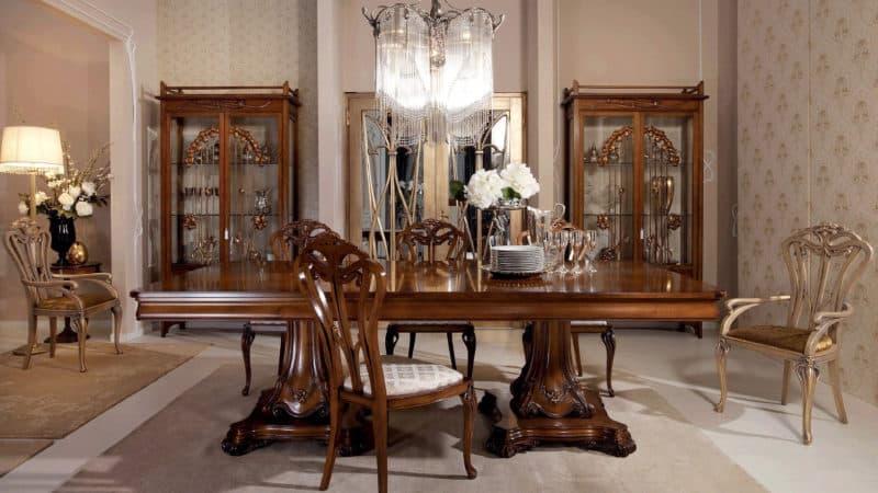 Стол обеденный в классическом стиле