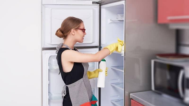 Чем можно отмыть скотч с холодильника