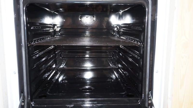 Почему загорается и потухает газ в духовке