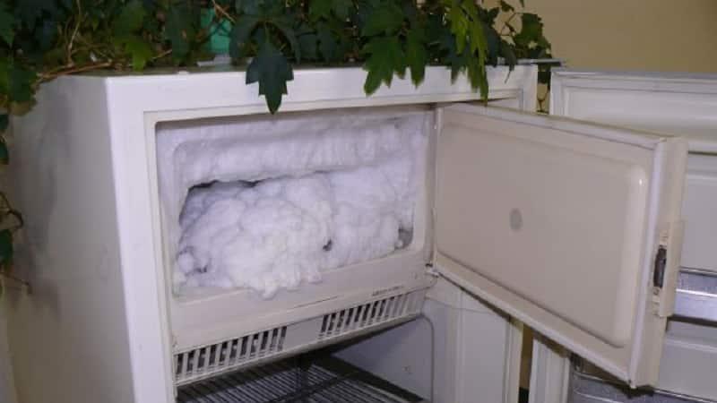 Как разморозить морозильник в холодильнике быстрее