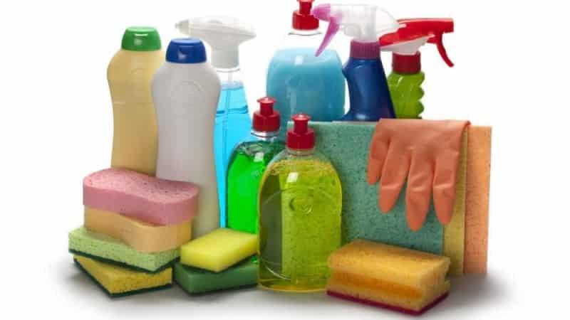 Чем лучше мыть посуду — хозяйственным мылом или моющим средством