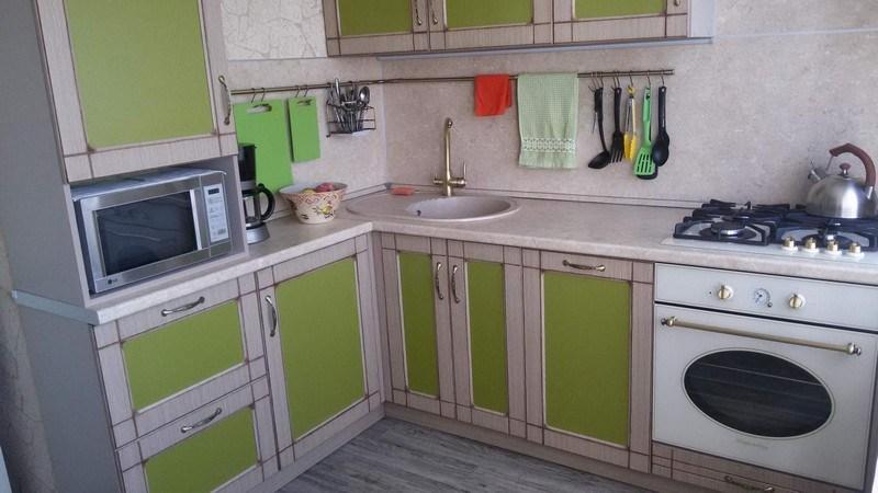 Дизайн маленькой кухне в брежневке