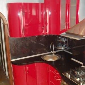 Дизайн кухонь с радиусными фасадами для квартир