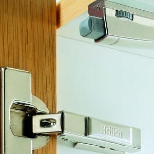 Доводчики на кухонные шкафы: как отрегулировать и починить