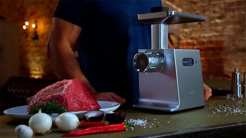Какая электрическая мясорубка лучше для домашнего использования