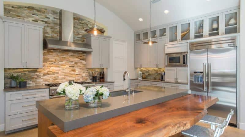 О кухонном острове с барной стойкой: варианты дизайна  интерьера