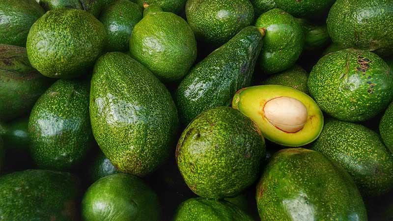 В каких условиях хранить авокадо дома, чтобы дозрел, а не испортился