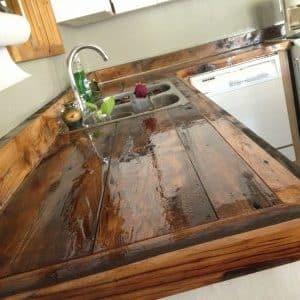 Чем покрывать столешницы из дерева на кухне