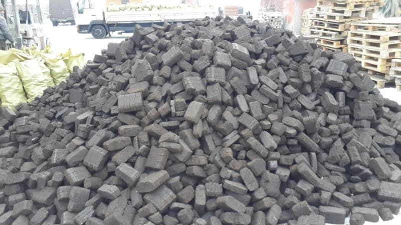 Типы угольных фильтров для вытяжки, их плюсы и минусы