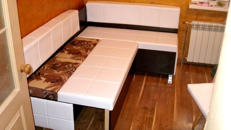 Всё о раскладных кухонных уголках со спальным местом