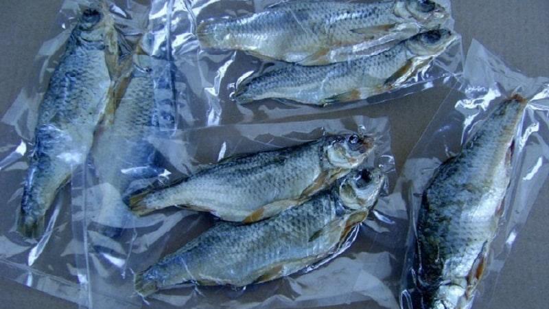 Хранение вяленой рыбы дома — как делать это правильно