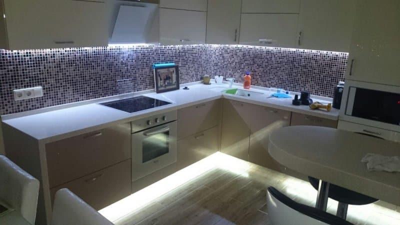 Все о светодиодной подсветке для кухни под шкафчиками